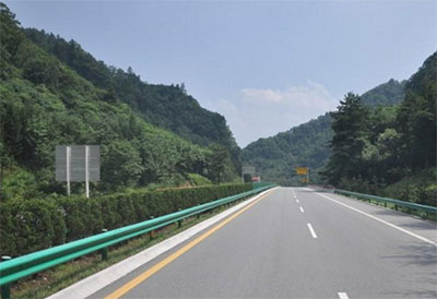四川高速公路护栏